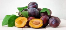 15 Manfaat Buah Plum untuk Diet dan Kesehatan yang Perlu Diketahui